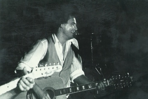 Steve performs Waiting for the Dawn live at UCT's Jameson Hall in 1990.